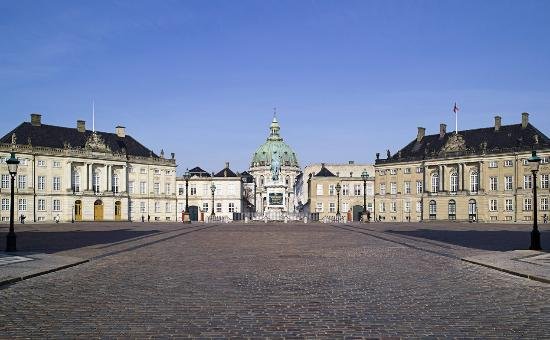 amalienborg-palace-copenhagen.jpg
